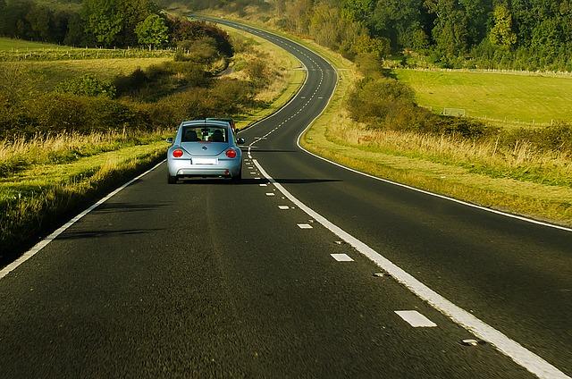 ขับรถทางไกลควรเตรียมตัวอย่างไร