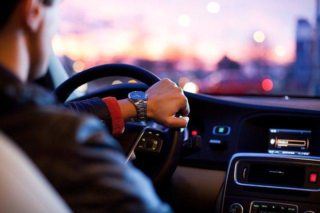 เตรียมความพร้อมเมื่อต้องขับรถเป็นระยะทางไกลๆ